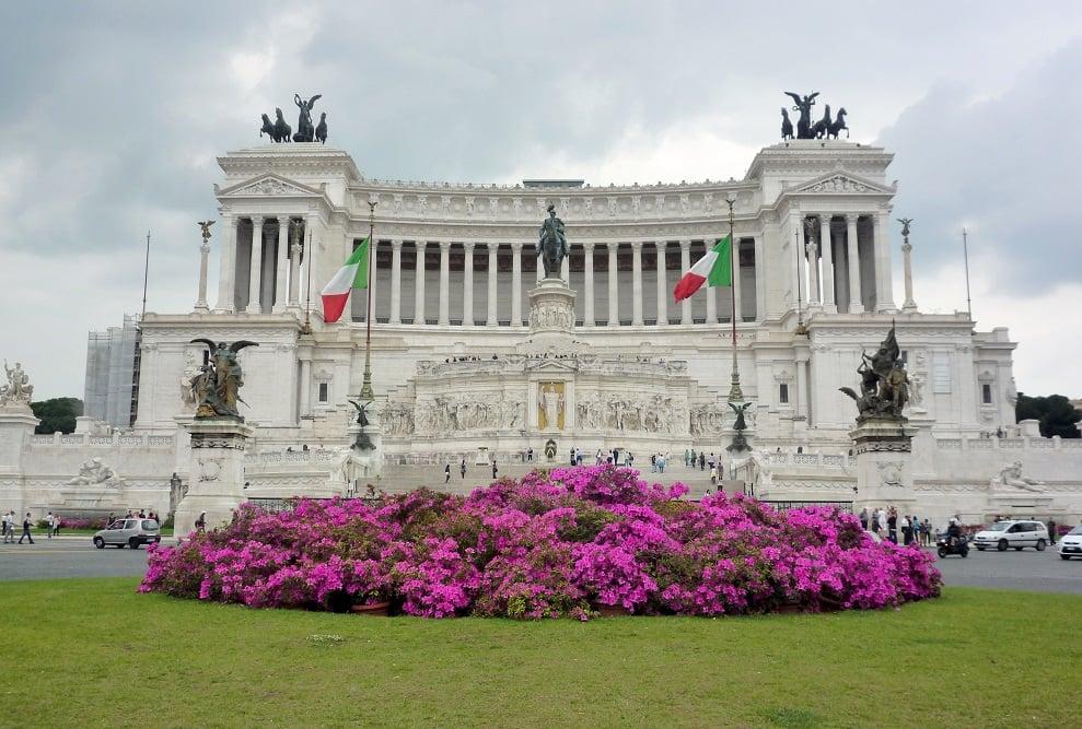 Vittoriano e Piazza Venezia em Roma na Itália