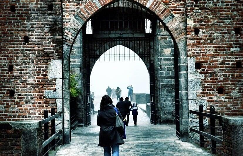 Passeio romântico pelas ruas de Milão