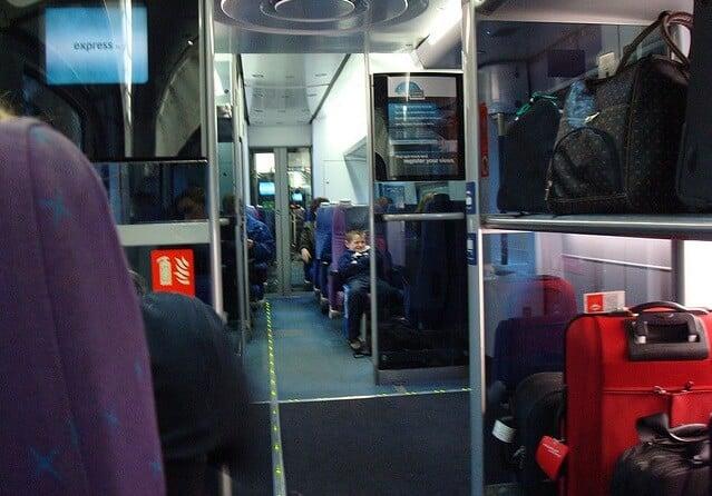 Bagagens nos trens em Veneza na Itália