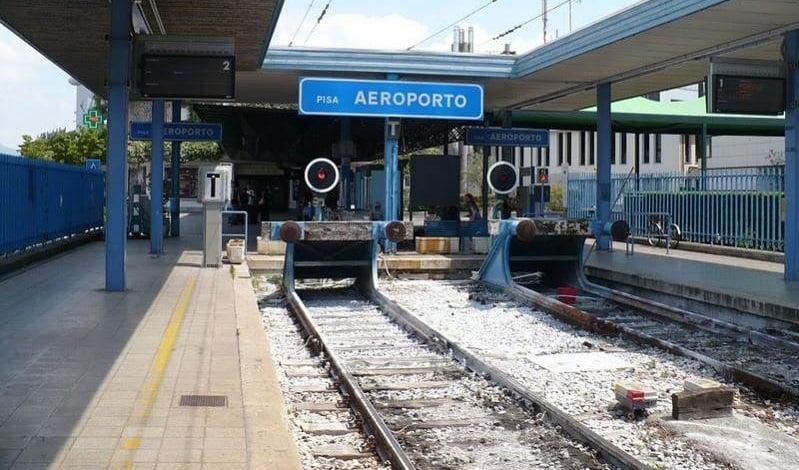 Aeroporto de Pisa até o centro turístico de trem