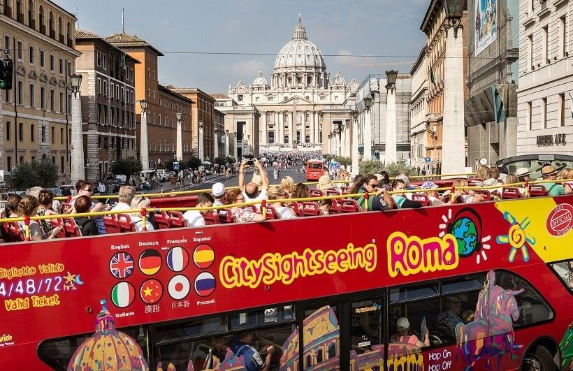 Ônibus Hop on Hop off em Roma