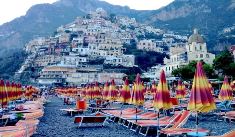 Nápoles na Costa Amalftiana na Itália