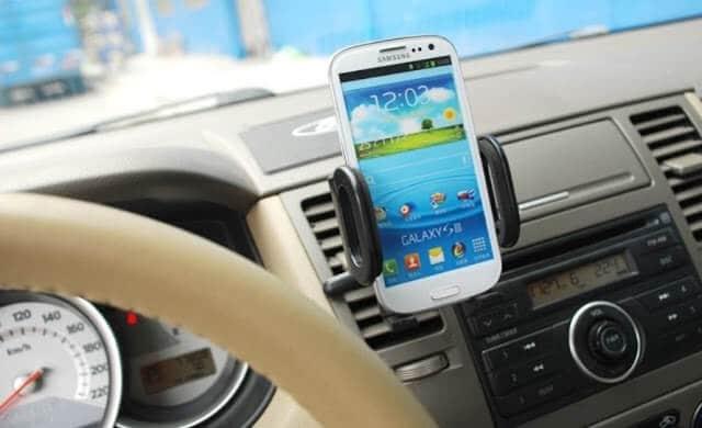 GPS no carro em uma viagem pela Itália