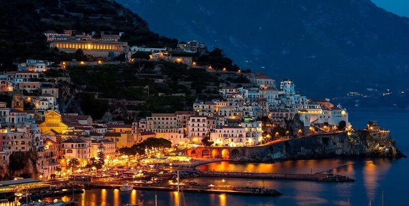 Praias em Amalfi na Costa Amalfitana