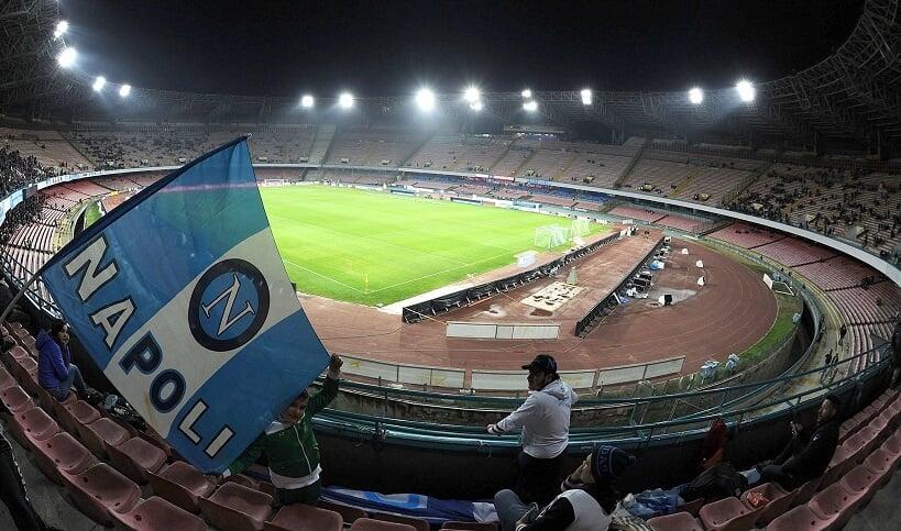 Estádio San Paolo em Nápoles