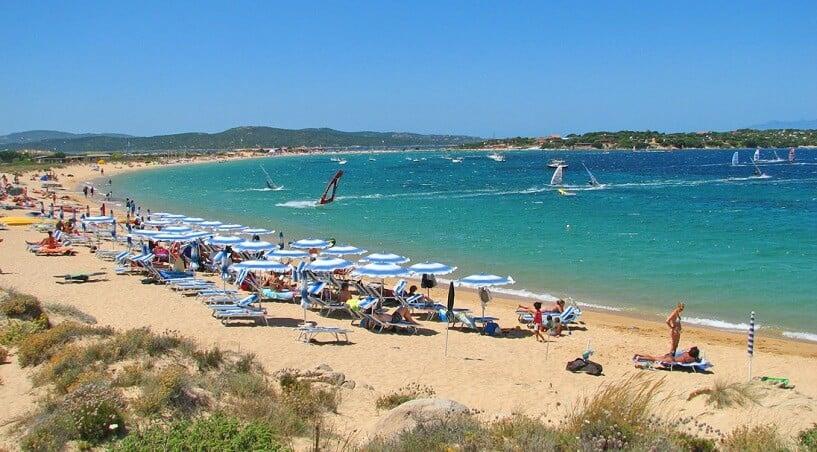 Praia Porto Pollo em Sardenha
