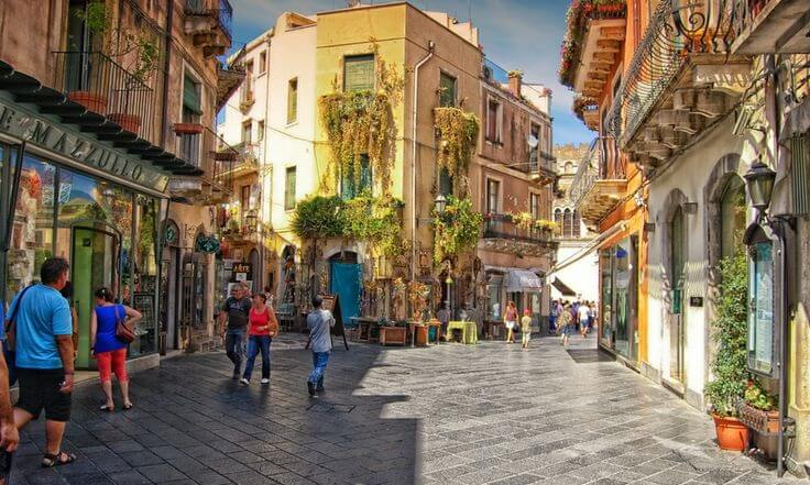 Ruelas em Sicília