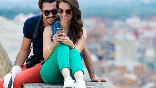 Usar o celular em Positano na Costa Amalfitana
