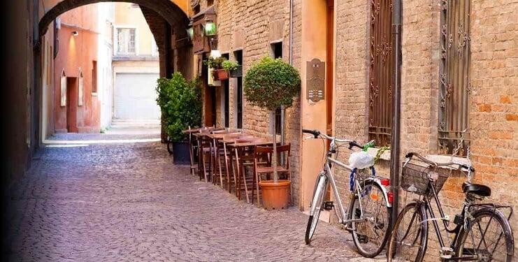 Ruas de Bolonha na Itália