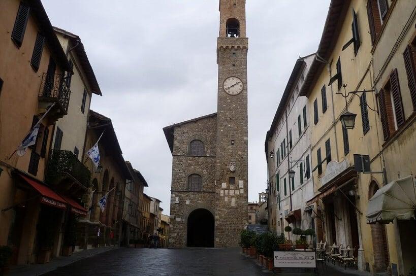 Piazza Poppolo em Montalcino