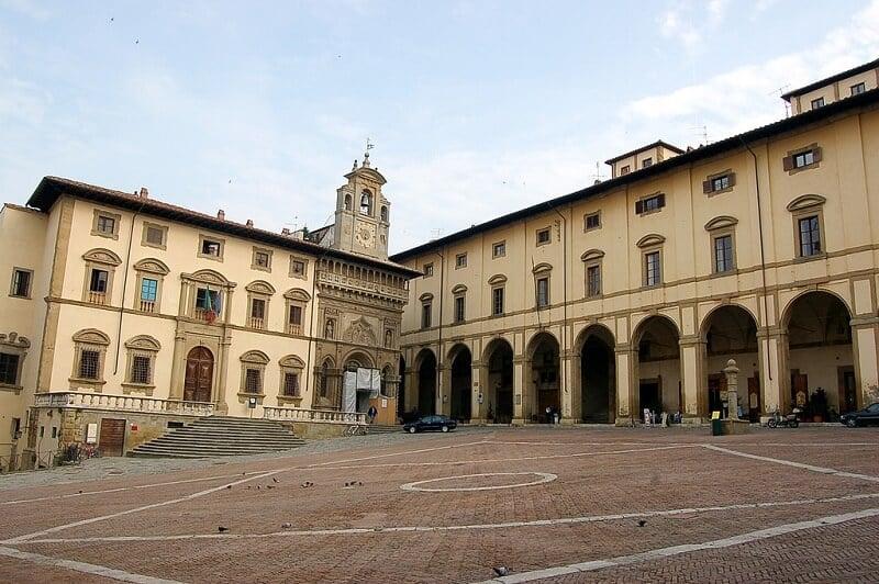Palazzo delle Logge Vasari na Piazza Grande em Arezzo