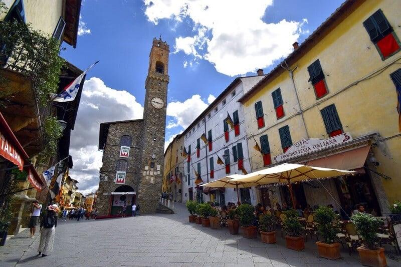 Palazzo di Priori na Piazza Poppolo em Montalcino