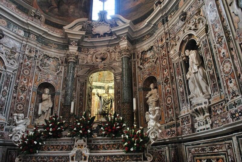 Interior da catedral de Taranto