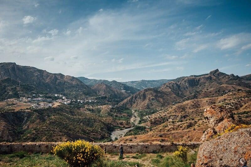 Vista da região de Calábria a partir de Pentedattilo