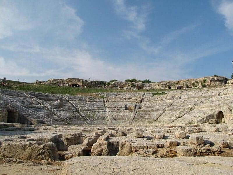 Teatro Grego no Parque Arqueológico de Neápolis