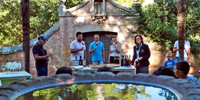 Visitantes na vinícola Terra Jovia em Bari