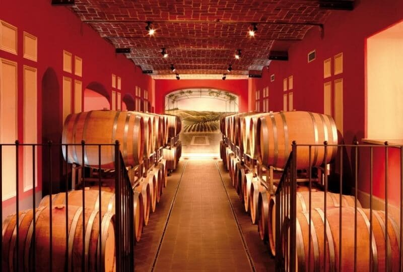 Interior da vinícola Banfi Piemonte