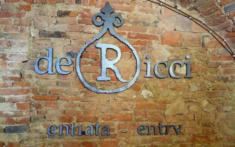 Entrada da Cantina de' Ricci em Montepulciano