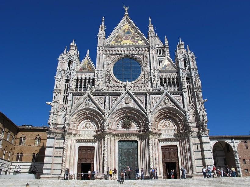 Fachada da Catedral de Siena