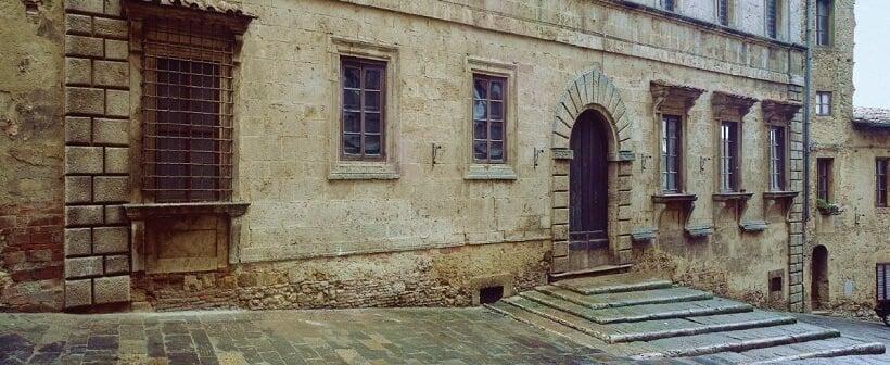 Fachada da Cantina de' Ricci em Montepulciano