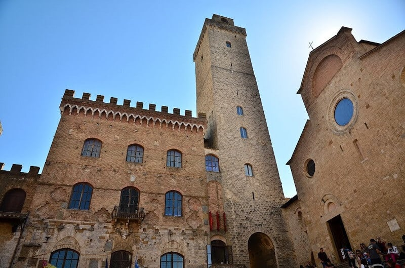 Catedral, Palazzo Publico e Torre Grossa em San Gimignano na Toscana