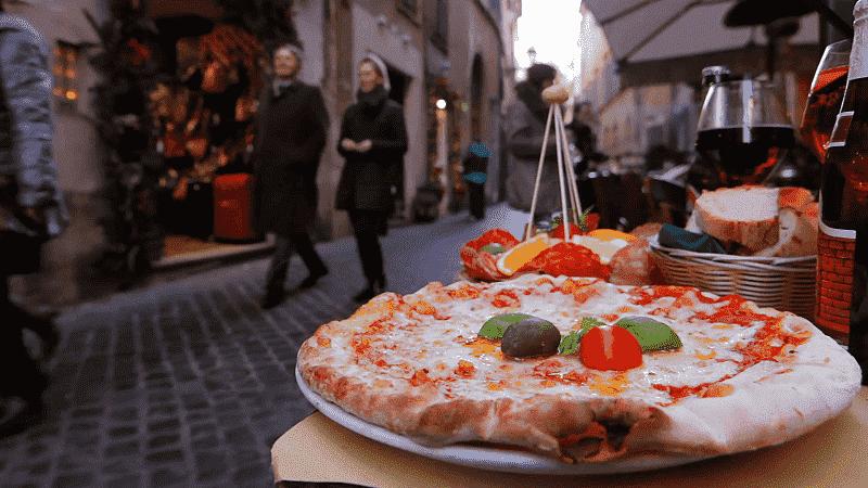 Pizzaria em rua de Roma