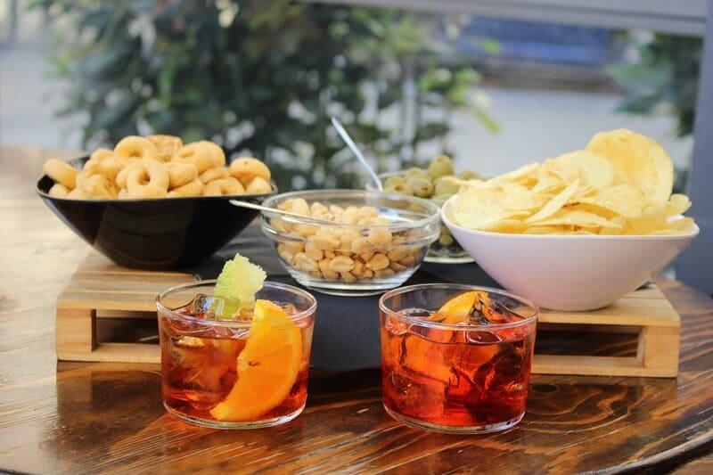 Drinks e aperitivos em restaurante de Florença