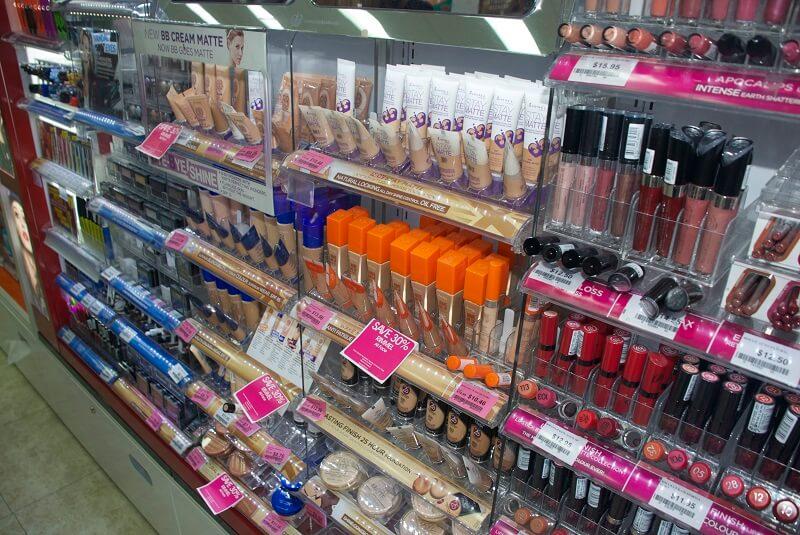 Maquiagens para venda em farmácia