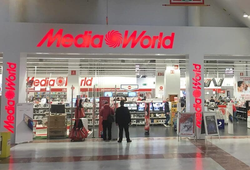 Loja Media World no Centro Commerciale I Gigli