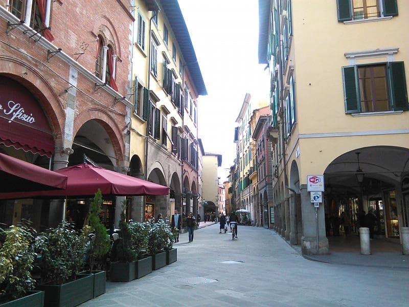 Borgo Largo em Pisa