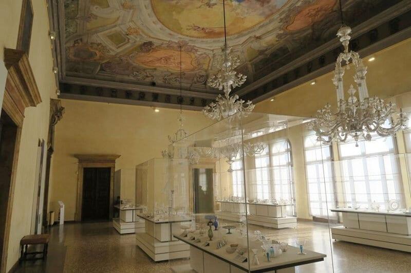 Interior do Museu do Vidro em Veneza