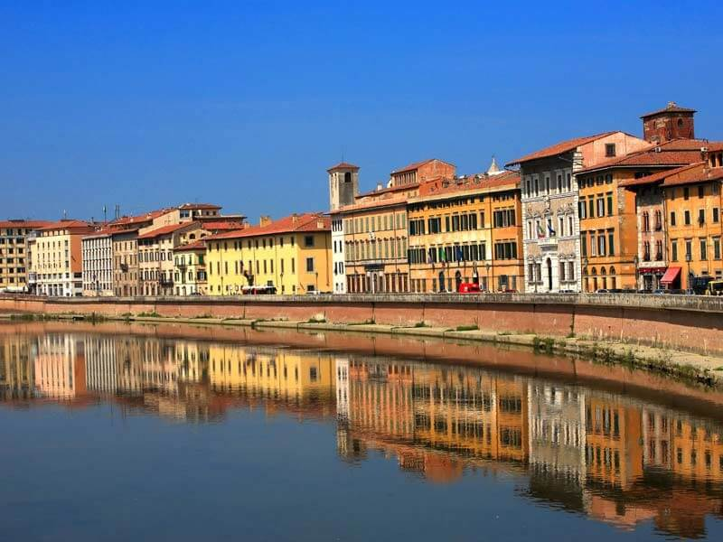 Margem do Rio Arno em Pisa