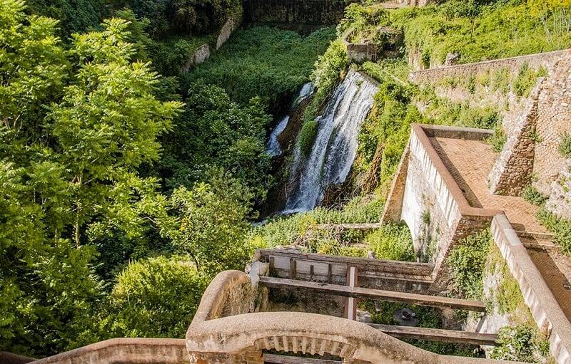 Queda de água na Villa Gregoriana