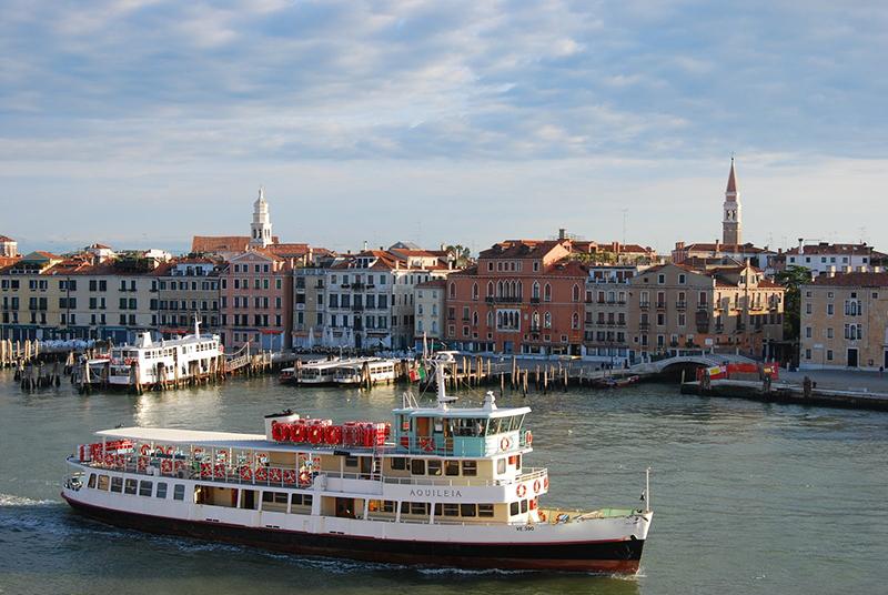 Ferry em Veneza