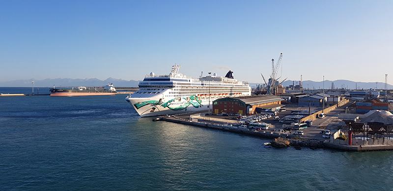 Porto de Livorno na Itália