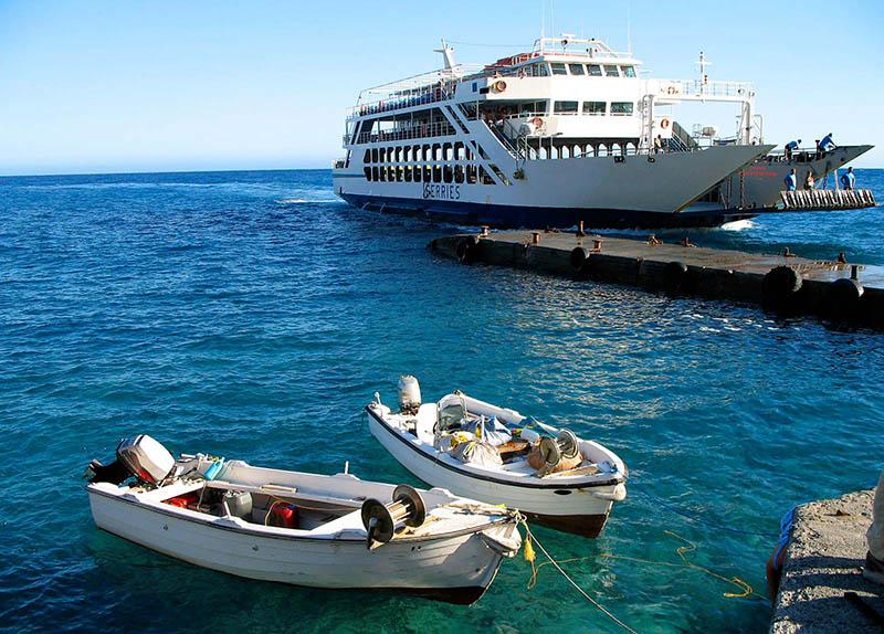 Porto para embarque na Grécia