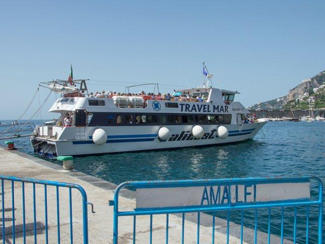 Rotas de ferry saindo de Amalfi