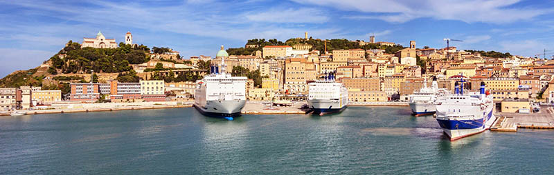 Porto de Ancona na Grécia